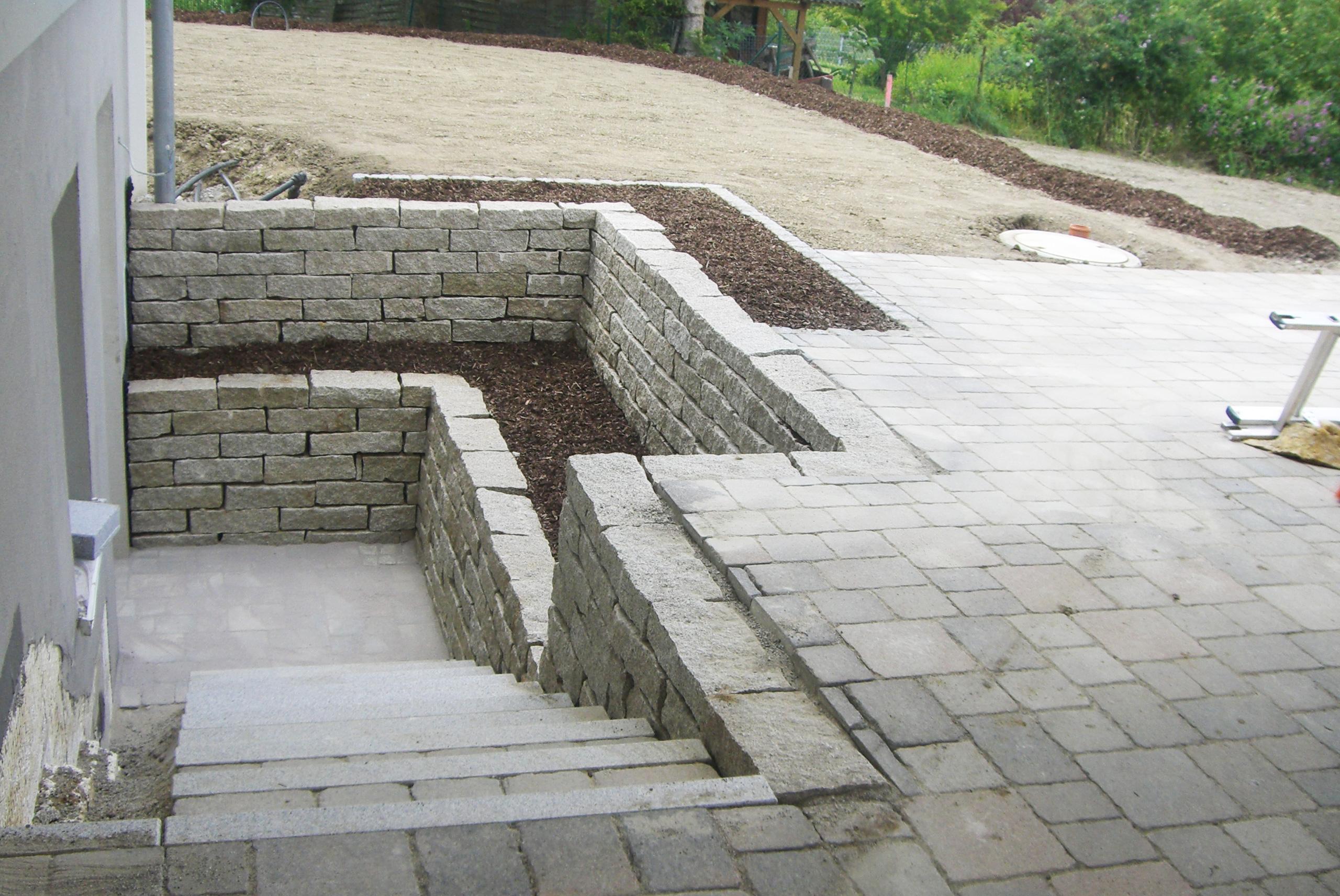 stufenanlage und trockenmauer aus naturstein tobisch. Black Bedroom Furniture Sets. Home Design Ideas